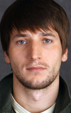 Full Aleksandr Ustyugov filmography who acted in the movie Uyti, chtobyi ostatsya.