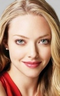 Full Amanda Seyfried filmography who acted in the movie Love the Coopers.