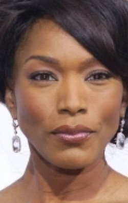 Full Angela Bassett filmography who acted in the movie Black Panther.