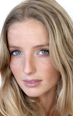 Full Annabelle Wallis filmography who acted in the movie The Mummy.