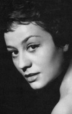Full Annie Girardot filmography who acted in the movie Il y a des jours... et des lunes.