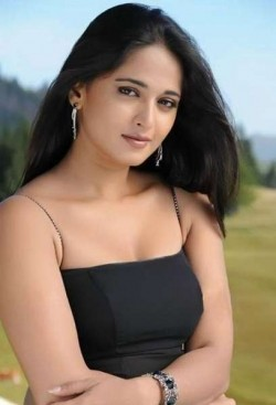 Full Anushka Shetty filmography who acted in the movie Rudhramadevi.