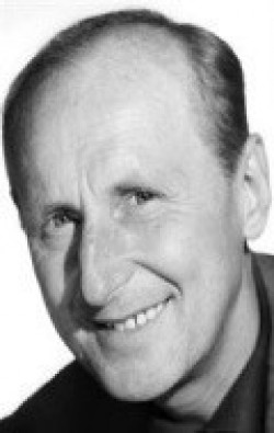 Full Bourvil filmography who acted in the movie Les Bonnes causes.