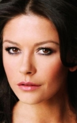 Full Catherine Zeta-Jones filmography who acted in the movie Ocean's Twelve.