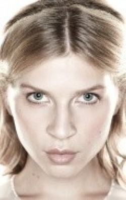 Full Clemence Poesy filmography who acted in the movie Demain tout commence.