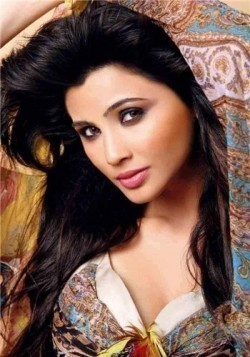 Full Daisy Shah filmography who acted in the movie Hate Story 3.