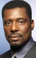 Full Eamonn Walker filmography who acted in the movie Tears of the Sun.