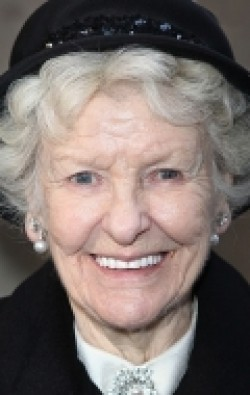 Full Elaine Stritch filmography who acted in the movie September.