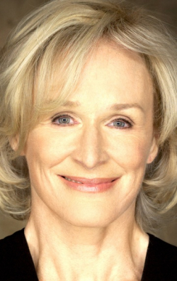Full Glenn Close filmography who acted in the movie The Paper.