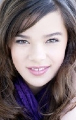 Full Hailee Steinfeld filmography who acted in the movie The Living Room.