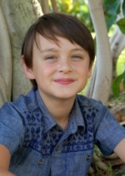 Full Jaeden Lieberher filmography who acted in the movie Aloha.