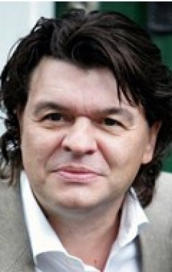 Full Jamie Foreman filmography who acted in the movie Doggin' Around.