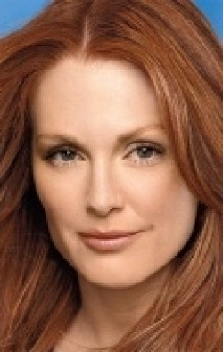 Full Julianne Moore filmography who acted in the movie Signs and Voices.