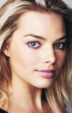 Full Margot Robbie filmography who acted in the movie Suicide Squad.