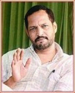 Full Nana Patekar filmography who acted in the movie Bluffmaster!.