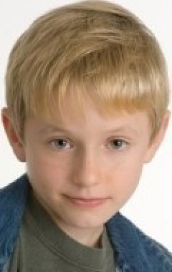 Full Nathan Gamble filmography who acted in the movie Dolphin Tale.