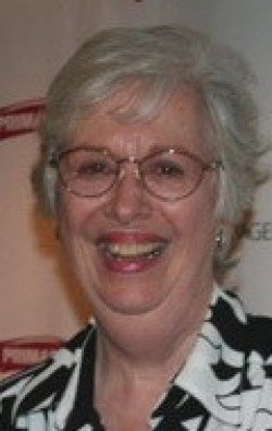 Full Polly Holliday filmography who acted in the movie Mrs. Doubtfire.
