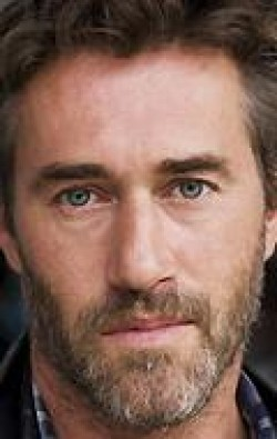 Full Roy Dupuis filmography who acted in the movie Les doigts croches.