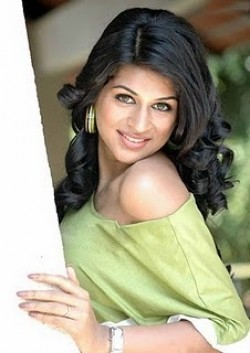 Full Shradha Das filmography who acted in the movie Zid.