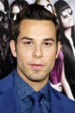 Full Skylar Astin filmography who acted in the movie Hamlet 2.