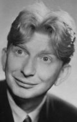 Full Sterling Holloway filmography who acted in the movie Wild Boys of the Road.