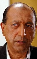 Full Tinnu Anand filmography who acted in the movie Bluffmaster!.