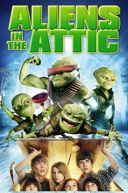 Aliens in the Attic is similar to Pyat minut straha.
